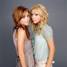 Dying to try this hair color but I don't know if I'm brave enough. Mary-Kate & Ashley Olsen: The New Fashion Icons Mary Kate Olsen, Mary Kate Ashley, Hair Color Auburn, Auburn Hair, Auburn Red, American Girl, Hair Color Pictures, Auburn Highlights, Reddish Brown Hair