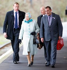 The Queen arrives in Norfolk for the start of her Christmas holidays - Photo 1 | Celebrity news in hellomagazine.com