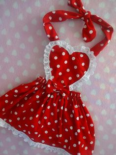 Gl 𝓂𝓎 𝓅𝒾𝓃 @ glitzprincessxo 𝕗𝕠𝕣 𝕥𝕙𝕖 𝕝𝕚. Puppy Clothes, Cute Baby Clothes, Doll Clothes, Dog Clothes Patterns, Girl Dress Patterns, Sewing For Kids, Baby Sewing, Cute Aprons, Sewing Aprons