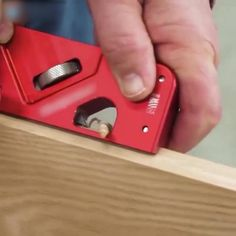 Woodworking Techniques, Woodworking Projects Diy, Diy Wood Projects, Woodworking Shop, Cool Gadgets To Buy, Diy Home Repair, Garage Tools, Cool Inventions, Diy Tools