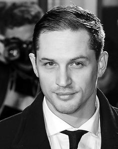 Tom Hardy - BFI London Film Festival: Locke Premiere held at the Odeon West End - October 2013 England / Tom Hardy Actor, Tom Hardy Movies, Black Hawk Down, Foto Portrait, Tommy Boy, Thing 1, Celebs, Celebrities, Attractive Men