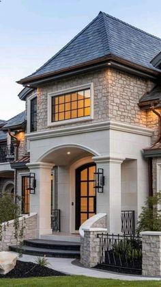 Classic House Exterior, Classic House Design, Modern Exterior House Designs, Dream House Exterior, Dream Home Design, Home Design Plans, Modern House Design, Home Exterior Design, House Exteriors