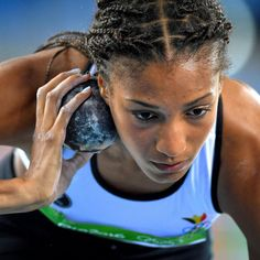 Nafi Thiam Female Athletes, Women Athletes, Heptathlon, Benefits Of Cardio, Sports Track, Shot Put, World Of Sports, Sports Pictures, Track And Field