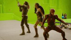 :D Wonder Woman, Aquaman, Flash, green screen Justice League blooper