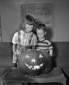 Vintage Halloween photo - Children with jol.