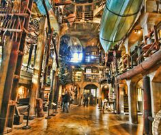 http://latimernow.org/2014/02/20/secret-passages-and-cider-presses-a-museum-with-some-unusual-attractions/   #Pennsylvania #Doylestown #museum #steampunk #MercerMuseum #PA #history    Image: http://2.bp.blogspot.com