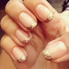 70 Ideas of French Manicure French Nails Gold Tip Nails, French Manicure Gel Nails, French Manicure Designs, Gold Glitter Nails, French Tip Nails, Nail Designs, French Manicure With Glitter, Gold French Tip, Manicure Ideas