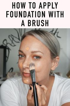 Learn how to apply foundation with a makeup brush easily to get flawless skin. Perfecting your foundation game doesn't have to be complicated with these simple tips and tricks.