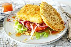 Een noodle burger gemaakt in de airfryer (oven of bakken kan ook!) met vis, zo eet je noodles eens op een andere manier dan traditioneel!