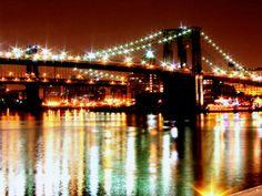 Diamond necklace: the Brooklyn Bridge at night