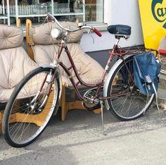 Old D I A M A N T bike with bike bags from Norrøna Spo .- Gammel D I A M A N T sykkel med sykkelvesker fra Norrøna Sport, Old D I A M A N T bike with bike bags from Norrøna Sport, 3000 kr treasures - Bike Bag, Vintage Wine, Motorcycle, Hidden Treasures, Vehicles, Cute, Sports, Bags, Shopping
