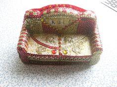 Deko-Couch rot/gold einzigartiges Unikat Handarbeit