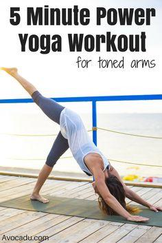 Yoga Poses & Workout : Ready to tone up your arms? This great power yoga workout for beginners will hel Yoga Ashtanga, Yoga Vinyasa, Hata Yoga, Fitness Del Yoga, Fitness Tips, Yoga Moves, Toning Workouts, Fitness Exercises, Yoga Routine