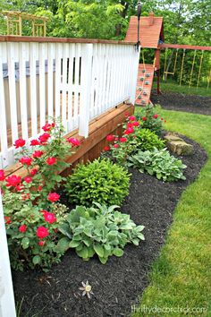 Flower Bed Ideas For Front Of House Back Front Yard 400 x 300