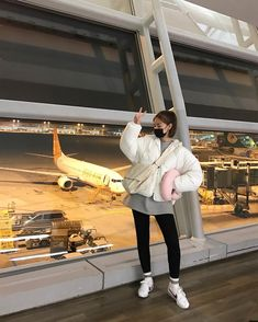 Korean Girl Fashion, Ulzzang Fashion, Korea Fashion, Airport Fashion, Airport Style, Korean Winter Outfits, Korean Outfits, Ulzzang Korean Girl, Ulzzang Couple