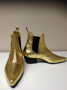 GOLD LEATHER BEAT BOOTS ON A CUBAN HEEL  UK SIZES 5-13