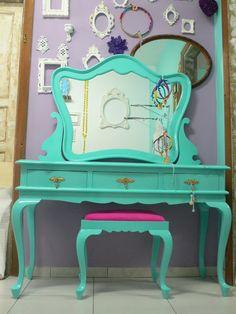 Ateliando - Customização de móveis antigos: Galeria Penteadeiras Antigas    Penteadeira Mary by Ateliando