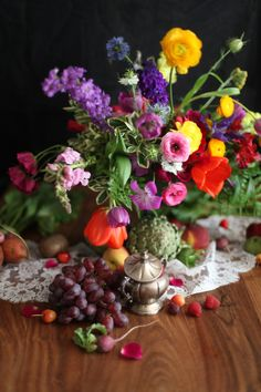 Dutch Masters Still Life - Flower Centerpiece, Fruits and Vegetables by Floral Designer Blumenkiss Soup Kitchen, Flower Of Life, Flower Show, Flower Centerpieces, Fruits And Vegetables, The Fresh, Still Life, Floral Design, Reception