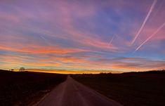 #sunset #österreich #austria #oberösterreich #upperaustria #visitaustria Shots, Celestial, Sunset, Outdoor, Sunsets, Outdoors, The Great Outdoors, The Sunset