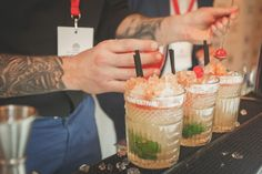 No te pierdas el video! En Jarabes Sanz buscamos la mayor naturalidad posible. Para lograr esto todos nuestros siropes están elaborados con zumos o aromas naturales, siendo su porcentaje de los más altos del mercado... apostamos por ser los más fieles en sabor 👍🏼. #Cocteleria #Jarabes #Sanz #Cocktails #Mango #Mixología #Mixology #cocktail #bartender #mixologist #flairbartending #falir #cafe #coffee #coctelera #receta #jarabe #tiki #Blog #Sirope #Syrup #Mandarina #Madrid