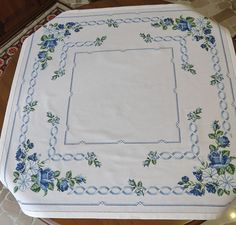 Cross Stitch Embroidery, Hand Embroidery, Cross Stitch Patterns, Cross Stitch Flowers, Doilies, Hand Stitching, Lettering, Quilts, Blog