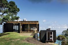 Castle Rock House, Northland, by Herbst Architects – housing award.