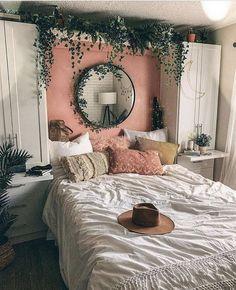 44 Elegant Boho Bedroom Decor Ideas for Small Apartment Small Bedroom Ideas Apartment Bedroom Boho Decor Elegant Ideas Small Boho Bedroom Decor, Room Ideas Bedroom, Home Bedroom, Living Room Decor, Bedroom Inspo, Hippy Bedroom, Decor Room, Bedroom Inspiration Cozy, Bedroom Designs