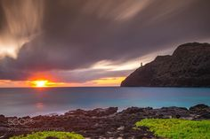 Hawaiian Sunrise - Makapu'u Point Lighthouse (John S / New York / USA) #Canon EOS 5D Mark IV #landscape #photo #nature