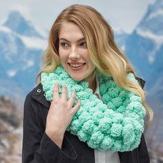 Pom pom cowl - Pomp-a-Doodle - make your own cowl - knit a cowl - knit your own scarf - free knit pattern - pom pom yarn Knitting Kits, Knitting Patterns Free, Knit Patterns, Free Knitting, Free Pattern, Crocheting Patterns, Knitting Projects, All Free Crochet, Crochet Yarn
