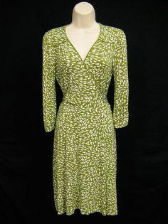 BANANA REPUBLIC Green White Floral Stretch Petite V Neck Sheath Dress M Medium #BananaRepublic #Sheath #WeartoWork