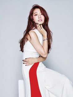 10 Dazzling new photos of Park Shin Hye for ELLE Hong Kong