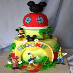 #sendcakestoPunjab #localcakedeliveryinKapurthala   #designercakestoJalandhar #cakeShopinJalandhar #sendcakestoPhagwara #cakeshoponlineinLPU         To Buy This Product :  http://www.indiacakesnflowers.com/product/6-kg-three-tier-…ate-truffle-cake/       Cont : +91 - 9216850252        You can e-mail us at: info@indiacakesnflowers.com
