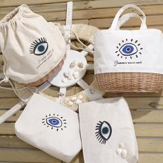 ✔Summer days in style!✔ These super chic evil eye bags with Greek motifs are perfect for island escapes! Embroidery On Clothes, Diy Embroidery, Diy Bags Easy, Costura Diy, Eco Friendly Bags, Fabric Stamping, Diy Tote Bag, Making Shirts, Fabric Bags