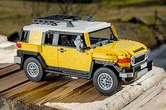 Toyota FJ Cruiser by Pēteris Sproģis. Legos, Best Lego Sets, Lego Truck, Lego Pictures, Amazing Lego Creations, Lego Builder, Lego Construction, Toyota Fj Cruiser, Lego Toys