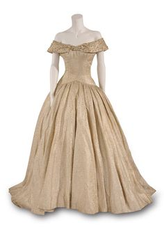 Costume designed by Edith Head for Audrey Hepburn in Roman Holiday (1953) Bunka Gakuen Costume Museum