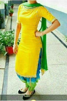 Patiala Suit Designs, Salwar Designs, Saree Blouse Designs, Dress Designs, Designer Punjabi Suits, Indian Designer Wear, Punjabi Fashion, Indian Fashion, Indian Dresses