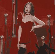Red Aesthetic, Aesthetic Photo, Kpop Aesthetic, Kim Jennie, South Korean Girls, Korean Girl Groups, Beret Outfit, Black Pink ジス, Blackpink Icons