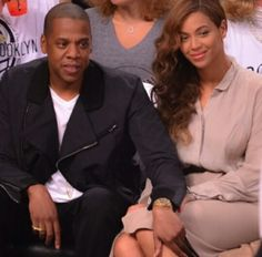 Solange Knowles attacks Jay Z as Beyonce watches Jay Z Solange, Beyonce And Jay Z, Solange Knowles, Celebrity Couples, Celebrity Gossip, Love Jones, Kim Cattrall, Chanel Iman, Blue Ivy
