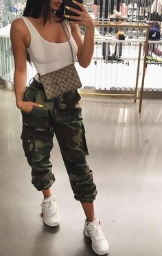 trendy outfits for school ; trendy outfits for summer ; trendy outfits for women ; trendy outfits for fall ; Hipster Outfits, Teen Fashion Outfits, Mode Outfits, Cute Casual Outfits, Stylish Outfits, Girl Outfits, Fall Fashion, Fashion 2020, Punk Fashion