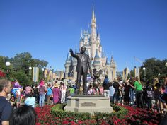 Modern Technology vs. The Disney Fan Purist http://www.wdwfanzone.com/2014/08/modern-technology-vs-the-disney-fan-purist/