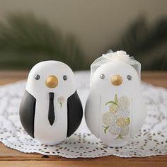 Dove wedding cake toppers. Sooo cute!