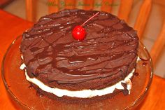 What's Cookin' Italian Style Cuisine: Italian Chocolate Cream Birthday Cake Recipe Italian Chocolate, Chocolate Cream, Chocolate Cake, Real Food Recipes, Cake Recipes, Dessert Recipes, Italian Desserts, Fun Desserts, Mouth Watering Food