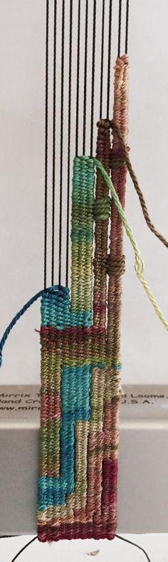 More of that Hand-painted Silk - Mirrix Tapestry & Bead Looms Pin Weaving, Weaving Art, Loom Weaving, Weaving Textiles, Weaving Patterns, Diy Tricot Crochet, Circle Loom, Tapestry Loom, Tapestry Wall Hanging