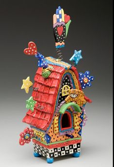 Clay Art Bird House - I think I want this in adult size lol, this would be such a wonderful happy place for a creative person to live! Clay Houses, Ceramic Houses, Ceramic Birds, Clay Birds, Clay Projects, Clay Crafts, Birdhouse Craft, Bird Houses Painted, Painted Birdhouses