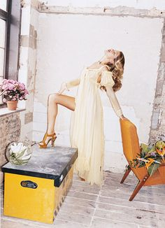 Gisele Bundchen: Hothouse Flower - gisele juergen teller june 2005-Wmag