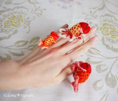 Etsy の Ring of felted goldfish Ranchu by demetyoubi