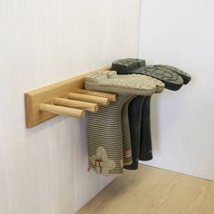 3 Pair Oak Welly Rack £75! Couldn't we make one???