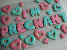 With elaborate cookies: – Ashes With elaborate cookies: This will so be my pregnancy announcement whenever it happens in the far away future… My Pregnancy, Husband Pregnancy Reveal, Surprise Pregnancy, Pregnancy Photos, I'm Pregnant, Baby Time, Having A Baby, Trendy Baby, Future Baby