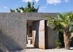 Concrete house by Wespi de Meuron Romeo Architetti