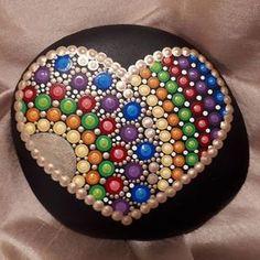 I love making rainbow heart rocks, it has been awhile Dot Art Painting, Mandala Painting, Pebble Painting, Pebble Art, Stone Painting, Mandala Painted Rocks, Mandala Rocks, Hand Painted Rocks, Painted Stones